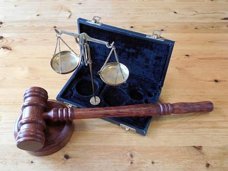 ejemplos derecho normativo